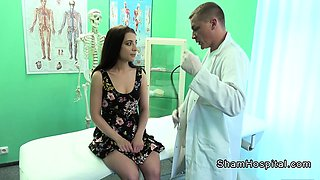Doctor bangs brunette in nylon socks