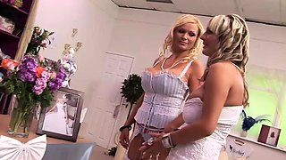 Sexy bride loves to get nailed