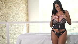 Ava Addams uses her tits to make a dick hard before a sex session