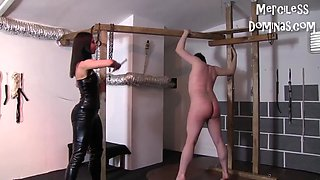 Don&#039t cry slave hard whipping with czech mistress lady g