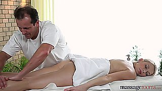 Massage with a happy ending for Karol