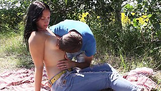 Outdoor penetration session with an alluring brunette