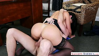 Lewd top manager Brooke Beretta was caught by a new employee while masturbating