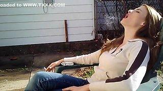Fabulous amateur Brunette, Outdoor adult movie