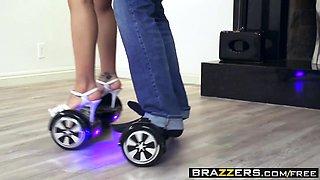 Brazzers - Baby Got Boobs - Luna Star Keiran