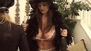 Kelly Madison and Lana Lottos wants to seduce a horny hunk