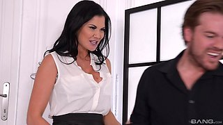 Luscious curly-haired Jasmine Jae fucked in her pierced pussy
