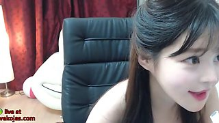 Korean tiny 18yo sweet camgirl shows her body