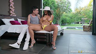 Outdoor pussy fuck with Lisa Ann seducing her well hung pool boy