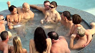 Alabama swingers soft swap in hot tub party