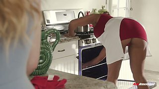 Tired housewife Mercedes Carrera is relaxing with lesbian nextdoor girl