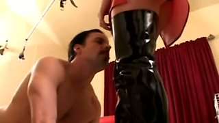 Before letting my buddy fuck wet pussy lusty bitch makes him lick her holes