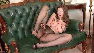 Stella Cox in her pantyhose