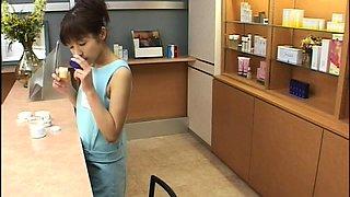 Nasty Japanese girl swallows a heavy load of hot semen