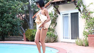 Pleasing naughty Veronica Avluv is much easier with a long pecker