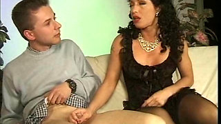 Sexy MILF fucked in vintage scene