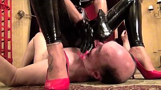 Mistress Storm choke, domination, slave, face sitting