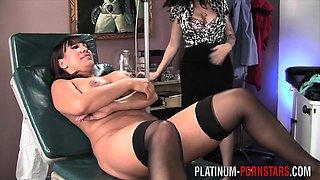 PlatinumPornstar slut vists doctor because she can't get off