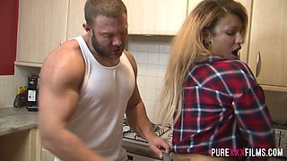 Jaw dropping housewife Yasmina Leigh gets fucked in the kitchen