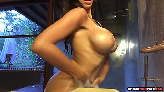 Black babe showing her amazing body and big tits for the all fans