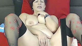 Whenever she's bored at home she likes to use her fucking machine on cam