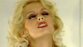Sex addicted torrid blondie adores deep throating gentleman's sausage