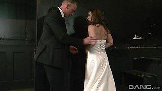 Lusty bride called Olga Cabaeva enjoys getting her knees dirty