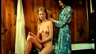 Sizzling brunette milf works on a shaft in terrific retro clip