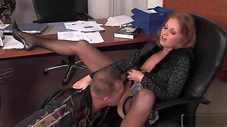 Office Pussy Pleasing For A Hot Chick