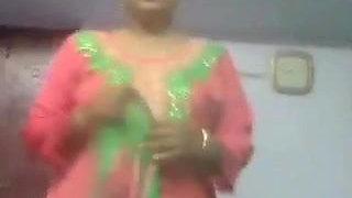 Bengali aunty