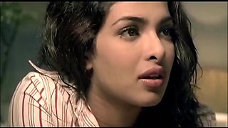 Priyanka chopra caught cuckolding bollywood movie