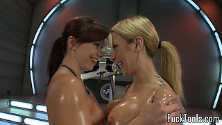 Machine loving dyke squirts after analplay