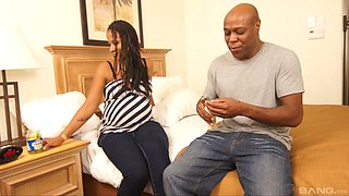 Pregnant black milf makes a hotel visit to get fucked