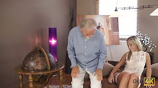 Beautiful young Czech hottie Shanie Ryan provides gaffer with a blowjob