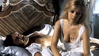 Vooruzhen i ochen opasen (1977)