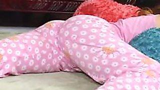 Kinky Lesbian Plays With Her Sleeping Friend's Tushy