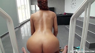 Gala Brown in Stunning Teen Public Beach Flashing - ButtFormation