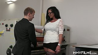 Sex-hungry milf Vivian Skylight seduces one young employee