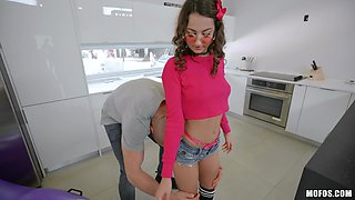 Pulsating large boner for lascivious cock-sucking Lily Adams