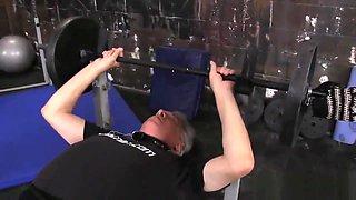 Mistress Yasmin de leon facesitting slave in gym