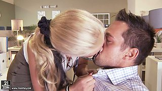 Full bodied mistress seduces the guy for sex in the office