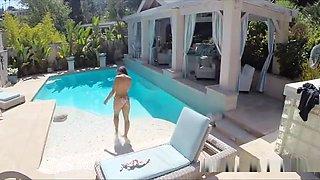 Fucking Ebony Bikini Teen In The Pool