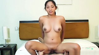 Hot Filipina babe with Amazing Tits