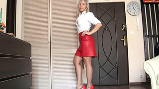 Red skirt - pantyhose posing