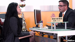 MILF secretary in stockings and high heels Daisy gets an office fuck